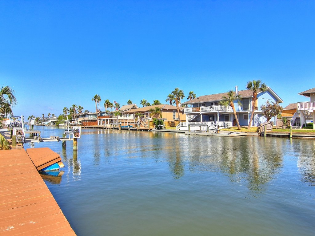 Waterfront Home on Canal!